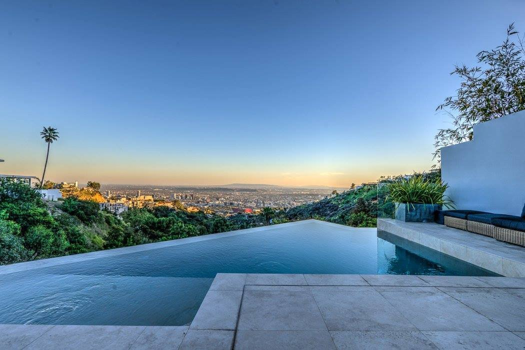 his-videos-are-apparently-pretty-entertaining-as-hes-got-enough-cash-to-snag-a-45-million-pad-in-los-agneles-yes-that-is-an-infinity-pool-you-see-on-the-bottom-floor-it-overlooks-los-angeles